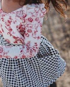 Darling pocket skirt for girls in black gingham. Little Girl Outfits, Cute Outfits, Skirts With Pockets, Girls Shopping, Leotards, Gingham, Floral Tops, Kids Fashion, Girls Dresses