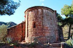 Rutas Mar & Mon: Roca foradada, castillo Eramprunyà y Cueva de Bruguers - Gavà