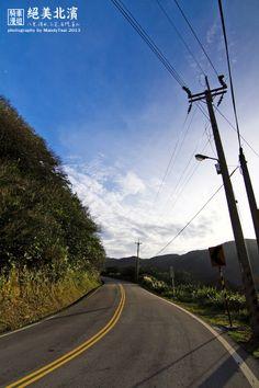 天氣好,有太陽卻不悶熱,風大涼爽... 騎著車在這樣美麗的公路上,完全享受!!! - 攝於金山