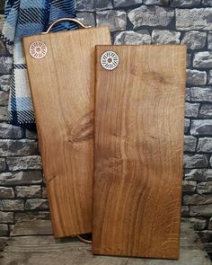 We think our new Welsh Oak chopping boards and serving trays, with copper and stainless steel inlays, are simply stunning! 😍  We'd love to know what you all think of them...