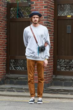 Indie Fashion, Streetwear Fashion, 90s Fashion, Fashion Outfits, Surf Style Men, Outfits Hombre, Stylish Mens Outfits, Mens Fashion Suits, Men Looks