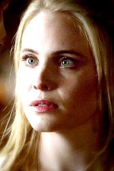 LEAH PIPES - Camille O'Connell dans la série The Originals