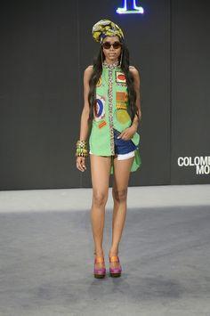 "Lía Samantha, ""Every Day #Afro"" #SS15 - Colombiamoda 2014 / Turban, printed top and denim shorts #runway #catwalk"