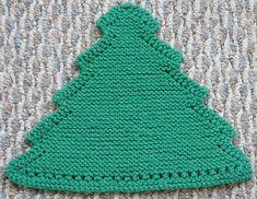 Ravelry: Grandma's Favorite Christmas Tree dishcloth pattern by Deb's Heartfelt designs Knitted Dishcloth Patterns Free, Beginner Knitting Patterns, Knitted Washcloths, Christmas Knitting Patterns, Crochet Dishcloths, Knitting For Beginners, Knitting Projects, Crochet Projects, Crochet Patterns