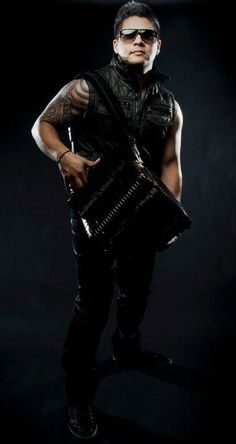 Arturo Castillo, Jr., * 1986, bekannt als AJ Castillo, ist ein amerikanischer Sänger mexikanischer Abstammung.  Er produziert Tejano Music als Akkordeonist und Sänger. Stichworte: #Accordion #Player #Tejano