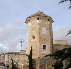 El Castillo del Moral, junto a la Plaza Nueva. Aquí fue encarcelado el último rey árabe: Boabdil.