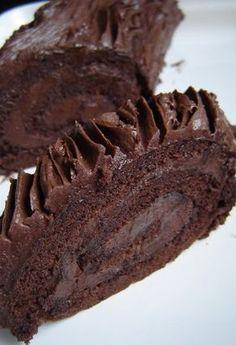 Képzeljétek, nálunk még egy hétig téli szünet van; az iskola így spórol a fűtési költséggel. Úgyhogy ma is tíz körül kecmeregtek elő az ágyból... Diabetic Bread, Cookie Recipes, Dessert Recipes, Waffle Cake, Torte Cake, Hungarian Recipes, Baking And Pastry, Super Healthy Recipes, Food And Drink