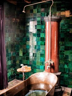 Modern Boho Bathroom, Beautiful Bathrooms, Bathroom Green, Small Bathroom, Bathroom Mirrors, Master Bathroom, Copper Bathroom, Bathroom Storage, Copper Tub