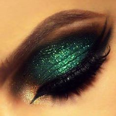 Grab the limelight with green glitter. Click 'Would' to save it for a big night out: http://www.preen.me/look/25379005?FB=BA