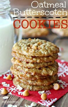Oatmeal Butterscotch Cookies - Perfectly chewy cookies filled with old-fashioned rolled oats and creamy butterscotch chips. #QuakerUp #MyOatsCreation #spon