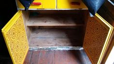 Entisöintiin vanha tiskipöytä