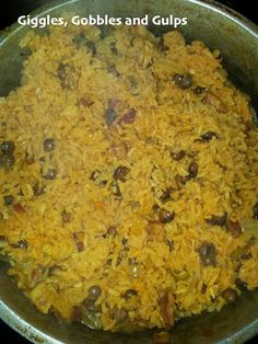 A traditional Puerto Rican Rice Recipe Arroz con Gandules in honor of National Hispanic Heritage Month via Giggles, Gobbles and Gulps. Good with brown rice. Puerto Rican Dishes, Puerto Rican Cuisine, Arroz Con Pollo Recipe Puerto Rican, Rice And Beans Recipe Puerto Rican, Puerto Rican Chicken, Rice Recipes, Mexican Food Recipes, Cooking Recipes, Ethnic Recipes