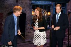 Pin for Later: 25 Times Kate Middleton and Prince Harry Got a Kick Out of Each Other Prince Harry and Kate could barely keep it together as they channeled their inner wizards with Prince William at the Harry Potter set in April Prince Harry And Kate, Prince William And Kate, William Kate, Prince Henry, Prince Phillip, Kate Middleton Pregnant, Kate Middleton Photos, 26 Avril, Warner Bros Studios