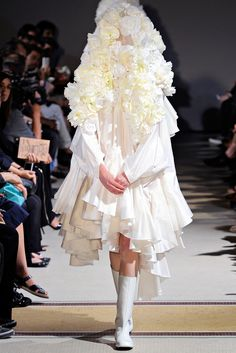Comme des Garçons Spring 2012 Ready-to-Wear - Collection // White Drama