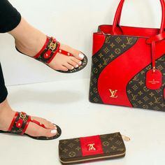 Summer women slippers available with wallet and matching handbag available in different sizes and colours Louis Vuitton Shoes Sneakers, Lv Shoes, Nike Air Shoes, Louis Shoes, Shoes Heels, Luxury Handbags, Black Handbags, Louis Vuitton Handbags, Purses And Handbags