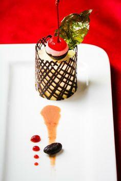 Dessert looks as sweet as it taste Sweet Corner, Nanjing, Villas, Candle Holders, Spa, Candles, Ethnic Recipes, Desserts, Food