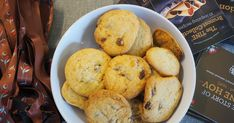 Cookies with chunks of brunost