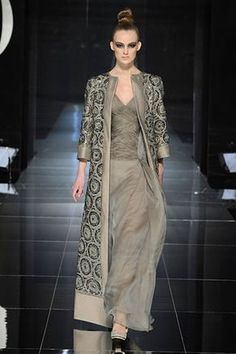 Valentino Spring 2009 Couture - Runway Photos - Fashion Week - Runway, Fashion Shows and Collections - Vogue Abaya Fashion, Moda Fashion, Couture Fashion, Indian Fashion, Fashion Show, Fashion Dresses, Womens Fashion, Fashion Design, Vogue Fashion