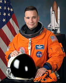 Lee Archambault NASA Astronaut Nationality American Status Retired Born August 1960 (age Oak Park, Illinois Other occupation Test Pilot Rank Colonel, USAF Time in space Selection 1998 NASA Group Missions Apollo Missions, People News, Nasa Astronauts, International Space Station, Space Program, Space Shuttle, Space Travel, Space Exploration, Vancouver Washington