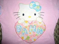 camiseta decorada con aplicaciones en tela aplique hello Kitty