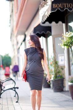 maternity style, petite fashion, fashion blog, petite blog, asian blogger, street street, midi dress, holiday style
