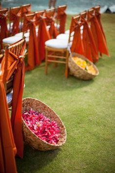 Its a flower shower! <3 these simple flower toss baskets for friends and family to shower their love on the couple during pheras! #Decor #indianWeddings | curated by #WittyVows the ultimate guide for the Indian bride | www.wittyvows.com