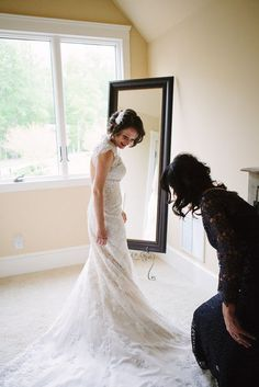 A long and beautiful wedding gown | Emily Lapish Photography