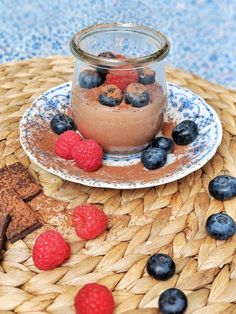 A wonderfully light and creamy mousse au chocolat without any eggs or dairy products! This dreamy chocolate mousse really convinces everyone. Vegan Dark Chocolate, Chocolate Desserts, Chocolate Heaven, Gluten Free Treats, Vegan Treats, Sweet Recipes, Whole Food Recipes, Soup Recipes, Chicken Recipes