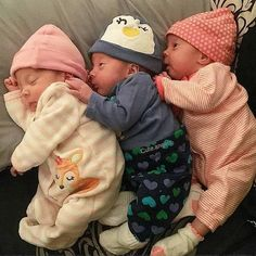 Good night Via Photography Kids, Triplets Photography, Twin Babies, Reborn Babies, Twins, Cute Baby Pictures, Baby Photos, Baby Outfits, Funny Babies