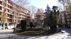 GRANADA | CENTRO | Plaza de Mariana Pineda, Calle San Matías, de espaldas a Plaza del Campillo.