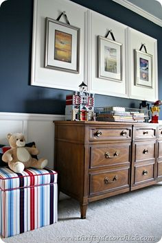 Having small living room can be one of all your problem about decoration home. To solve that, you will create the illusion of a larger space and painting your small living room with bright colors c… Thrifty Decor Chick, Wall Spaces, Boy Room, Home Projects, Room Inspiration, Family Room, Family Life, Wall Decor, Wall Art