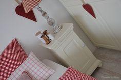 Landelijke brocante witte nachtkastjes