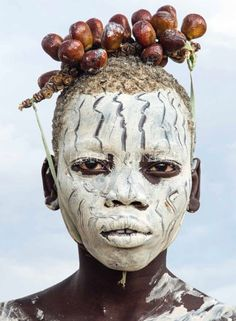 Carol Beckwith and Angela Fisher Kara Boy with Chalk Make up and Berry Adornment, Omo River, Ethiopia, 2013 African Tribes, African Art, Book Photography, Amazing Photography, Population Du Monde, Exposition Photo, Tribal Face, Human Body Art, Brooklyn Museum Of Art