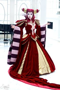 Yaya is my absolute FAVORITE Cosplayer!!! I love how she hand makes all her costumes to match down to the smallest detail!  Yaya Han cosplaying Carmilla from Vampire Hunter D Bloodlust