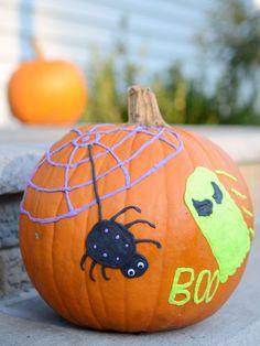 Super fun no carve pumpkin decorating idea for kids!