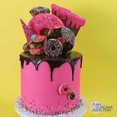 Change to blue and white cloud cake with pink glazed donuts on top? Simpson Cake