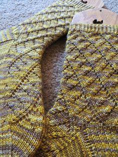 Centifugal Force Socks by verybusymonkey    $4.50 on Ravelry