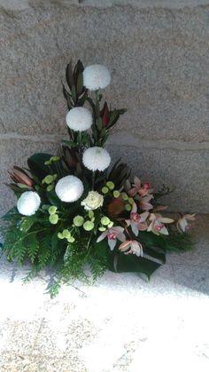 Basket Flower Arrangements, Altar Flowers, Funeral Flower Arrangements, Church Flowers, Beautiful Flower Arrangements, Funeral Flowers, Floral Arrangements, Beautiful Flowers, Arte Floral