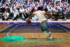 """NBA All-Star WKND 2015: AKQA worked with production company Stardust to shoot """"the Last Shot"""" crowd scenes, which featured 250 extras sporting '80s, '90s, and present-day fashions, along with custom audio such as """"boos,"""" to personalize each guest's experience. Fans could then share the one-of-a-kind video and images on social media."""