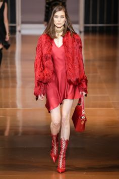TREND: Red, Pink & Orange    Versace