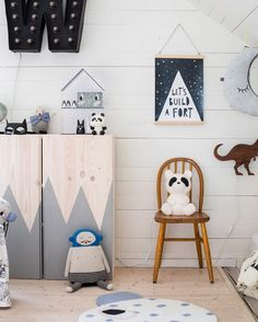 CLEVER IKEA TOY STORAGE HACKS IN THE BEDROOM USING THE IKEA IVAR VIA WILLIE AND MILLIE / GRILLO DESIGNS