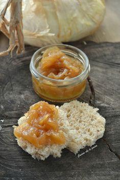 Cipolla in agrodolce il contorno perfetto per dei super panini o per un delizioso antipasto. Pochi ingredienti per una cipolla tenera e saporita