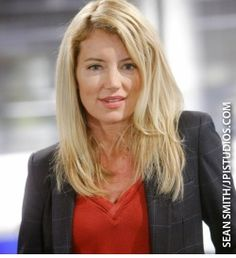 Cynthia Watros as Kelly Andrews