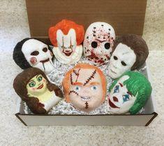 Skull Bath Bomb, Halloween Bath Bombs, Mini Bath Bombs, Bath Bomb Sets, First Halloween, Pretty Box, Holiday Crafts, Stocking Stuffers, Gifts For Friends