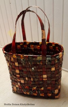 Candy Wrappers, Recycling, Paper Crafts, Craft Ideas, Finland, Wraps, Fashion, Pictures, Tejidos