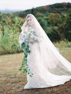Wedding Dress: Gabriella New York - Autumn Wedding Inspiration by Trent Bailey Photography - via Magnolia Rouge