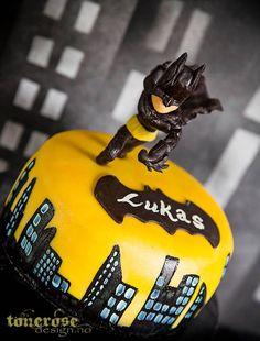 Superhero themed birthday party via Kara's Party Ideas : The Cake