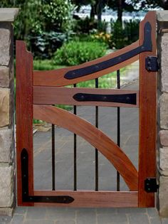 Instructions DIY gates of wood metal natural stone wall