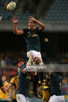 Eben Etzebeth of the Springboks wins a line-out during The Rugby Championship match between the Australian Wallabies and the South African Springboks at Patersons Stadium on September 2014 in. Get premium, high resolution news photos at Getty Images South Africa Rugby Team, South African Rugby, Rugby Sport, Rugby Men, Anthony Kiedis, Springbok Rugby Players, Eben Etzebeth, Rugby Poster, Rugby Championship
