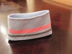 Resultado de imagem para clutch crochet